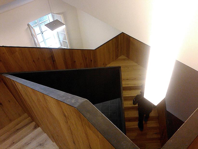 panství dřevěné schodiště